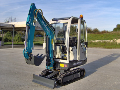 Mini-excavatoare M-18BE